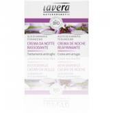 Crema rinforzante notte con olio di karanja e tè bianco Lavera 50 ml