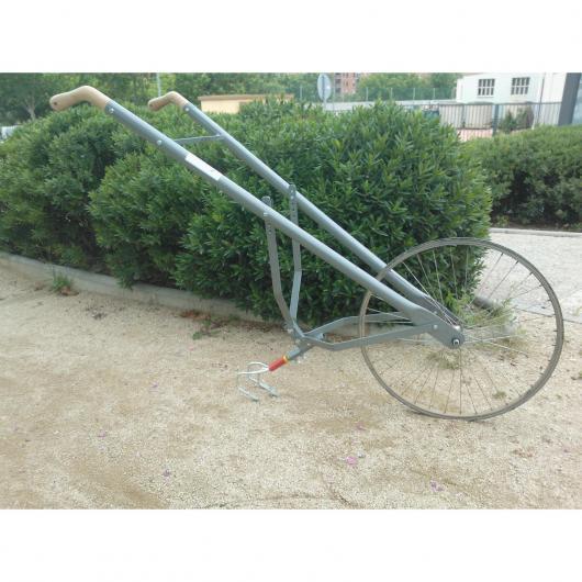 Cultivador-Binador manual con rueda