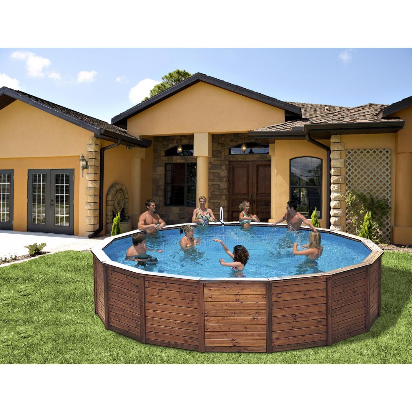 piscina de madera grande con depuradora por en