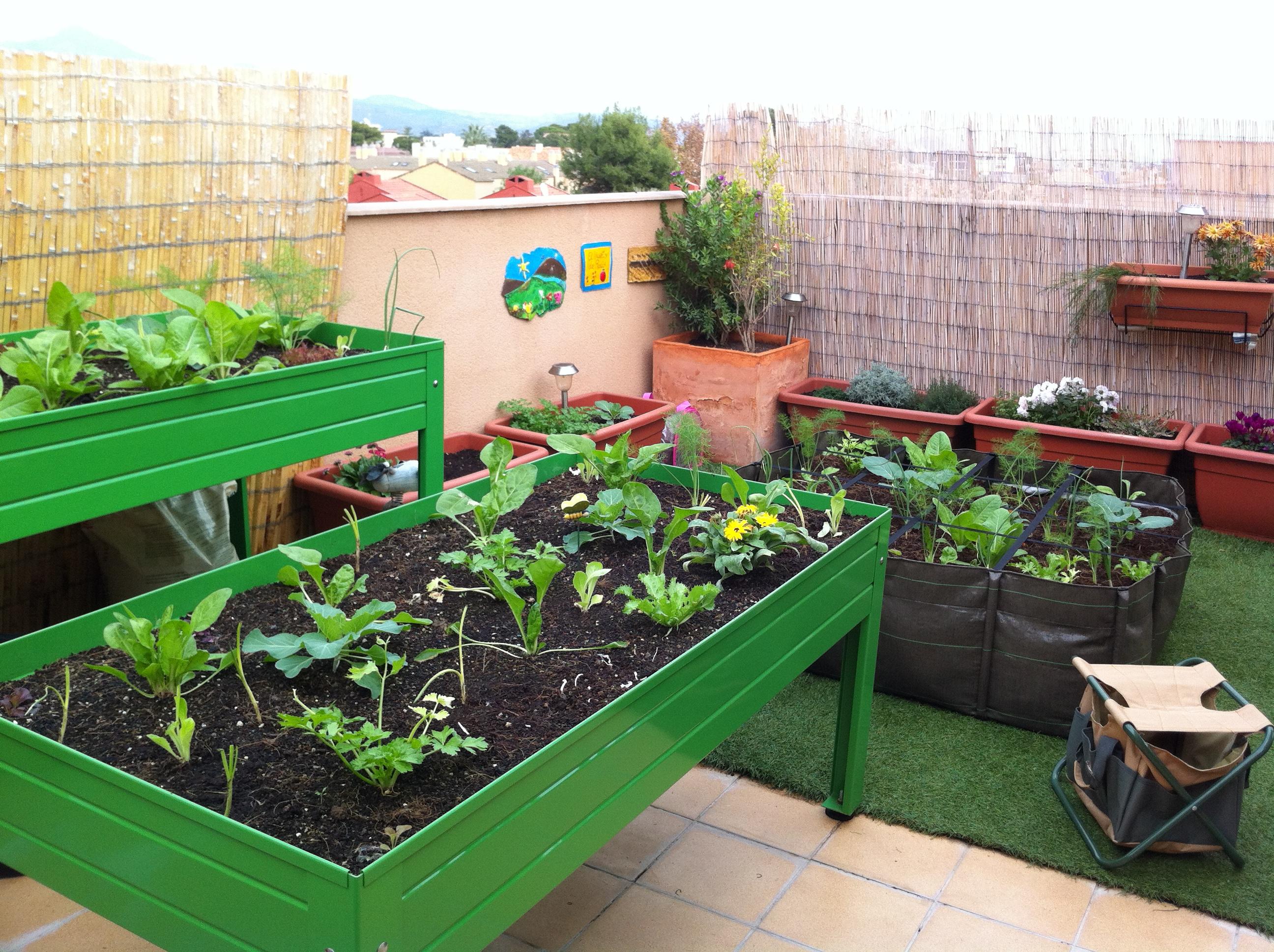 El huerto de casa en mesas de cultivo planeta huerto for Mesa de cultivo casera